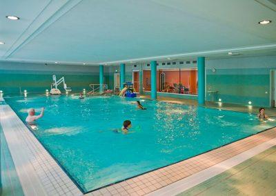 Vakantie met begeleiding Stichting Heinz Reizen Rheinsberg zwembad